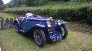 Classic Car UG7155 at Abergynolwyn