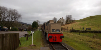 D9537 'Eric' arrives at Irwell Vale