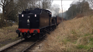 43924 arrives at Oakworth