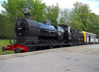 No. 43924 and No. 20031 at Oxenhope