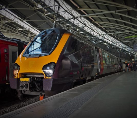 CrossCountry Voyager at Leeds Railway Station