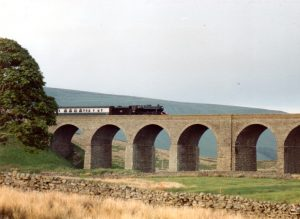[MS] No. 48151 going over a Viaduct