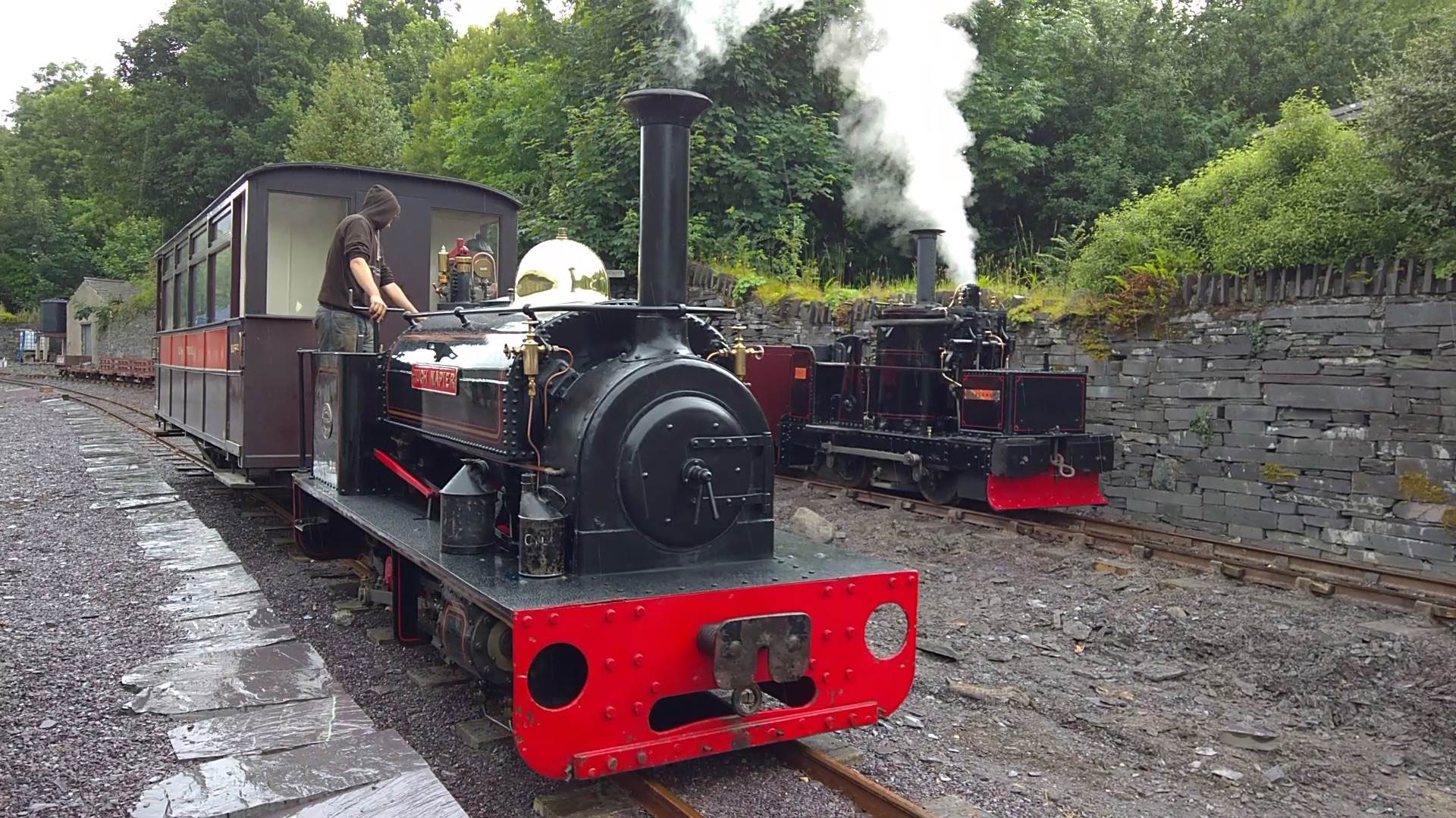 Hugh Napier passes Chaloner - Penrhyn Quarry Railway