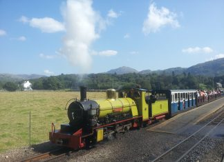 Northern Rock on the Ravenglass & Eskdale Railway - Mince Pie Specials