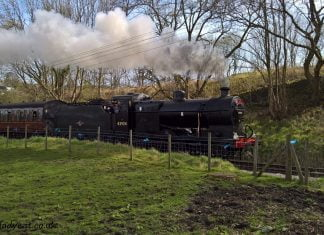 4F 43924 passes Woodhouse Lane on the Keighley & Worth Valley Railway