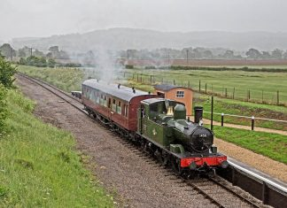 1450 stops at Hayles Halt