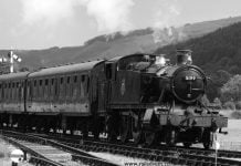5199 arrives at Carrog on the Llangollen Railway