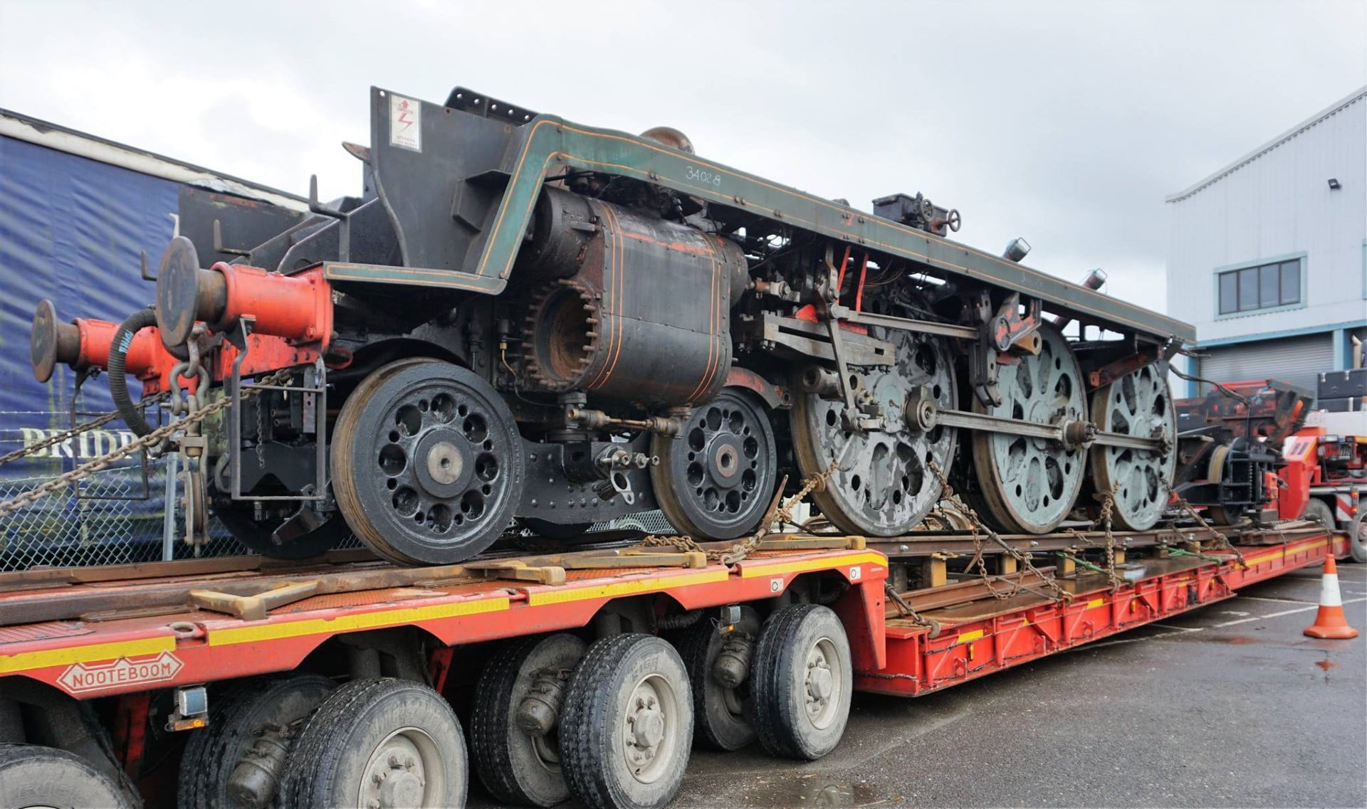 34028 Eddystone's Chassis, awaiting to be unloaded from the lorry // Credit Southern Locomotive Ltd