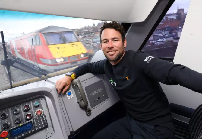Mark Cavendish gets Cab Ride to Tour de Yorkshire Launch with Virgin
