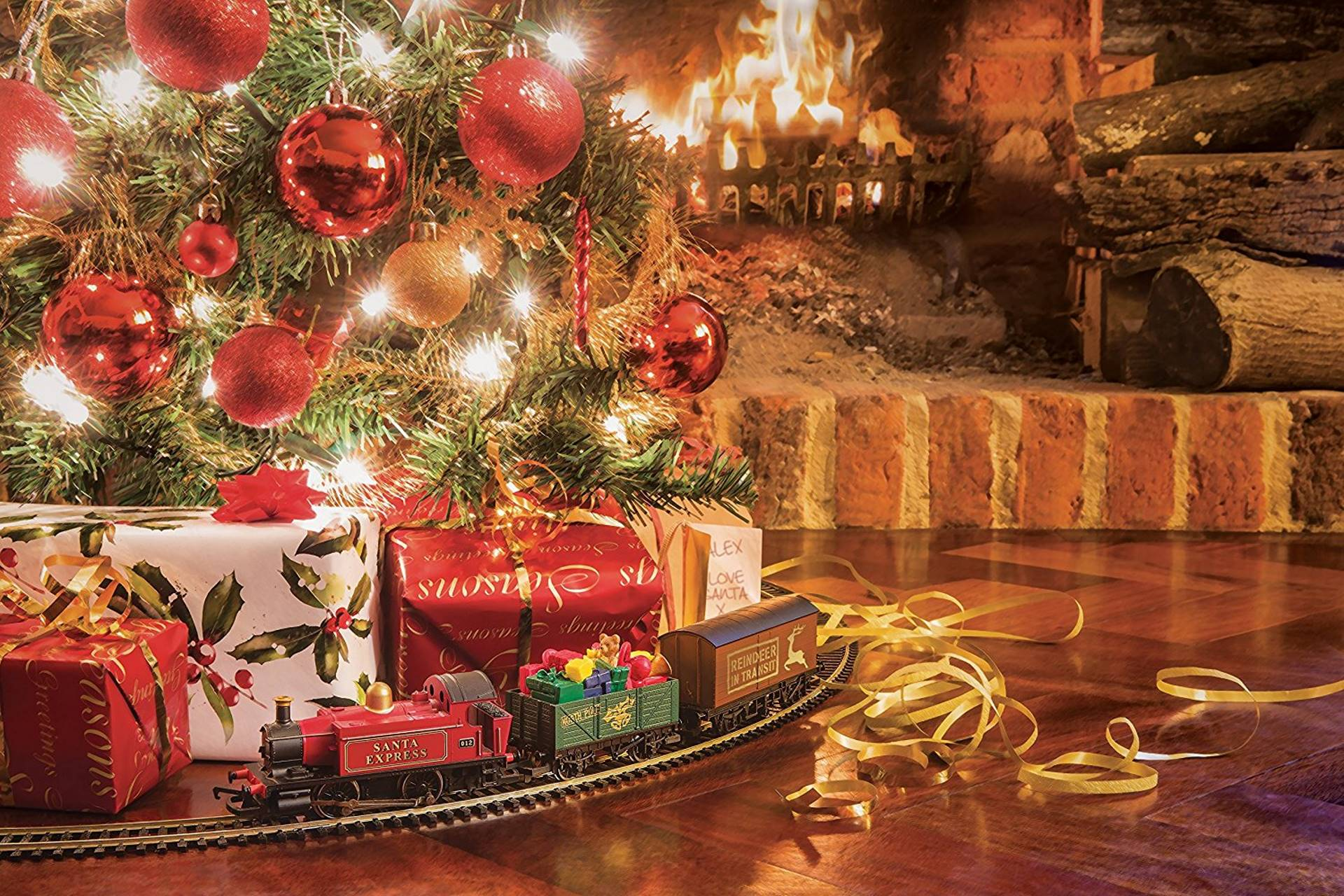 Hornby Santas Express Christmas Train Set