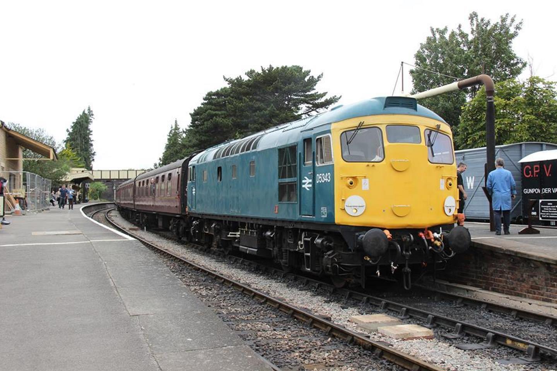 5ec39e63c8c968 Class 26 Joins Mid Hants Railway s Diesel Gala 2018 Line-Up