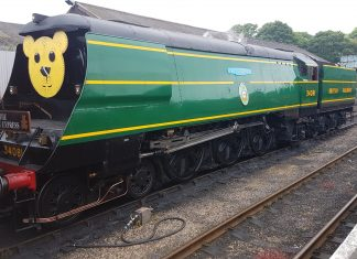 "34081 ""92 Squadron"" with ""The Teddy Express"" at Wansford Station, NVR // Credit Jamie Duggan"