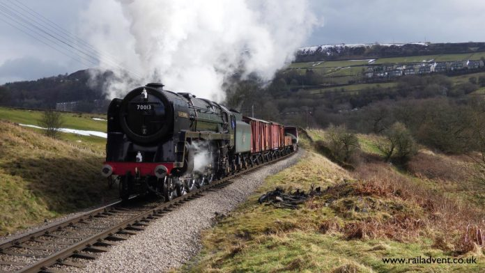 Oliver Cromwell passes 'The Mound' near Oakworth on a 30742 Charter