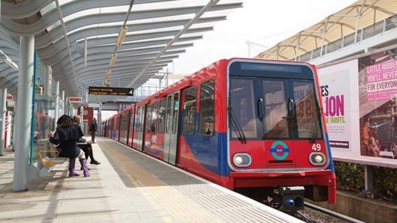 Docklands Light Railway industrial action suspended