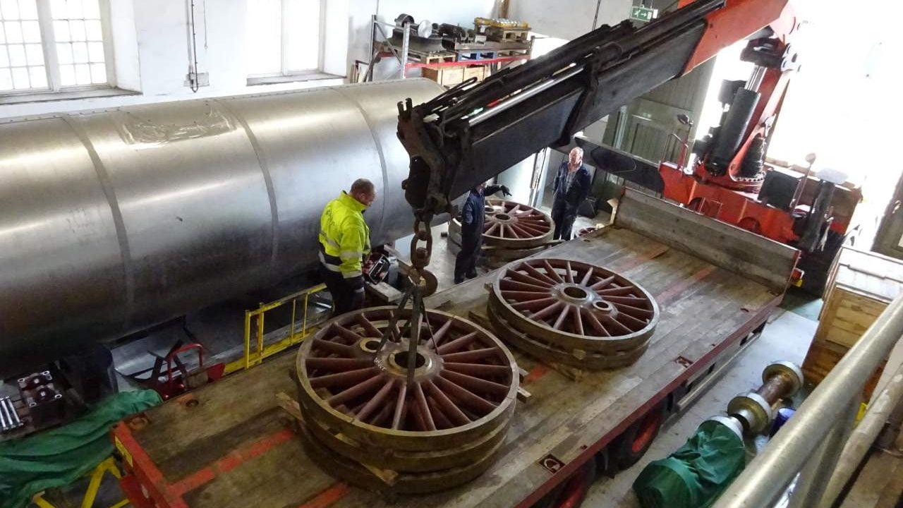 P2 Steam Locomotive No. 2007 'Prince of Wales' wheels ready to go to South Devon