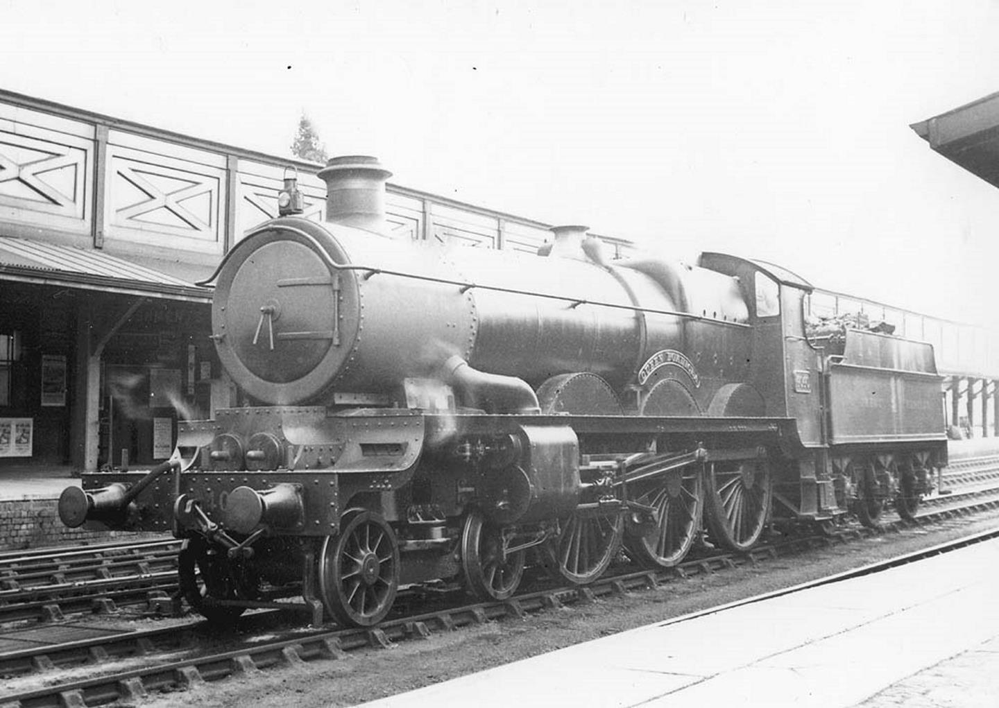 "No.4040 ""Queen Boadicia"" in 1932 // Credit Warwickshire Railways' website"
