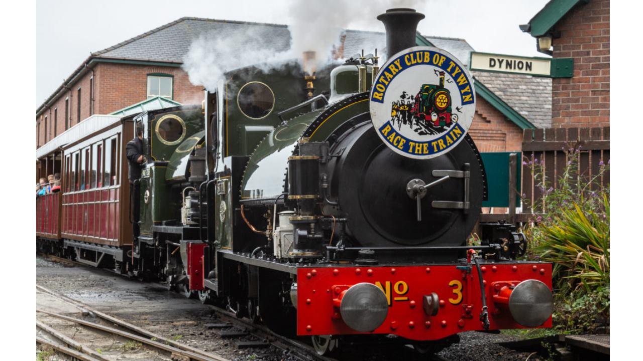 Talyllyn Railway Race The Train