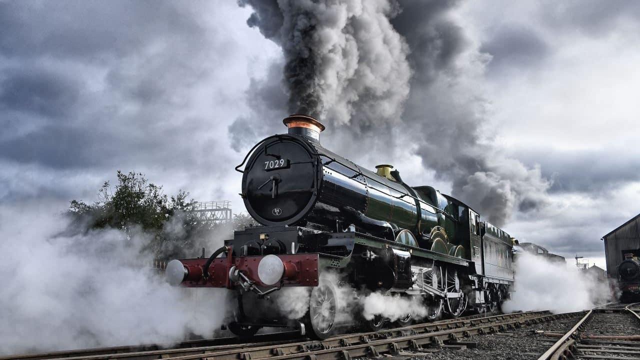 7029 Clun Castle vintage trains