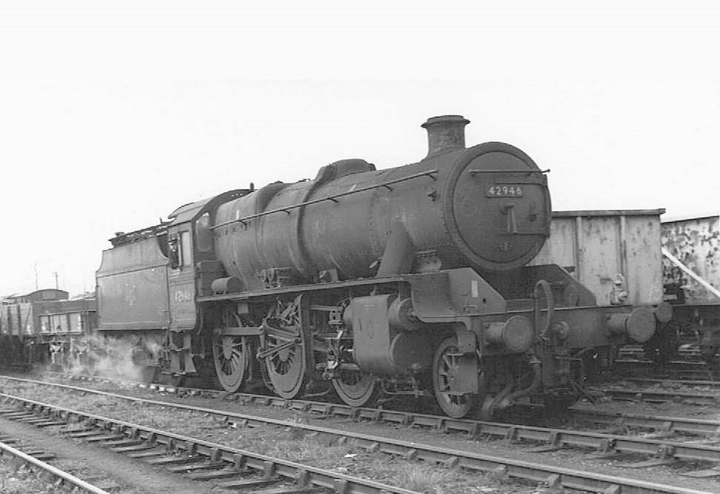 42946 with Square Topped Cylinders Credit mrs398, WarwickshireRailways.com
