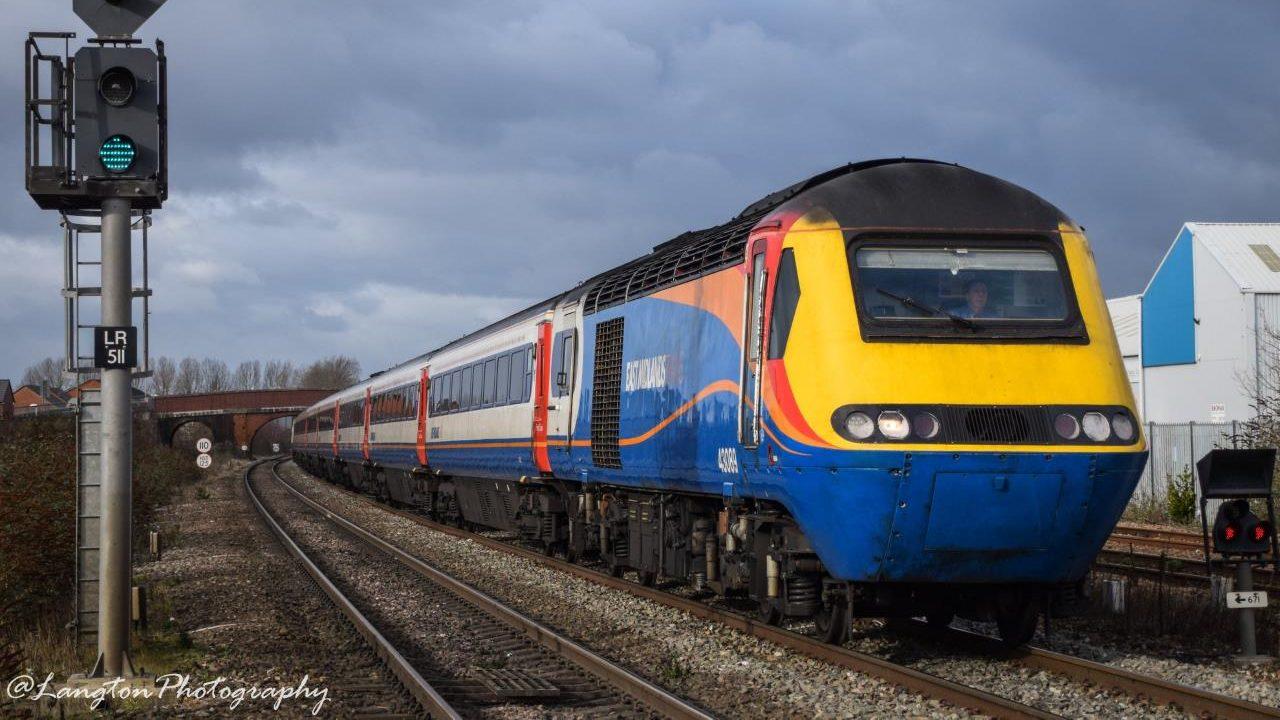 East Midlands Trains HST