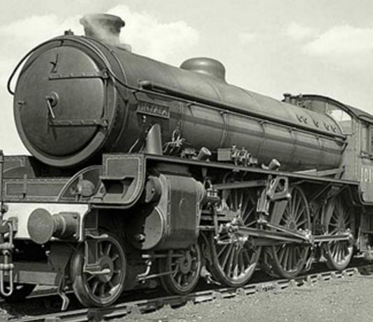 "1016 ""Inyala"" appearing in LNER Apple Green in 1949 // Credit Simon Lathlane"