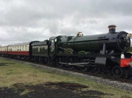 """6989 """"Wightwick Hall"""" in March 2019 Credit M Tayler"""