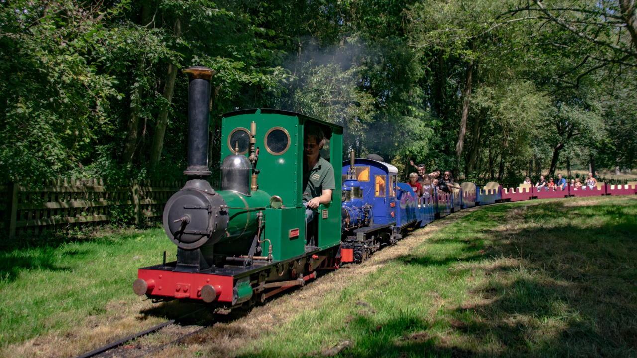Pilgrim and Marri at the Watford Miniature Railway