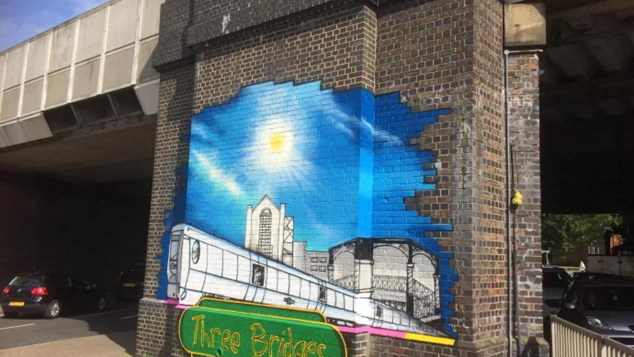 mural at Three Bridges