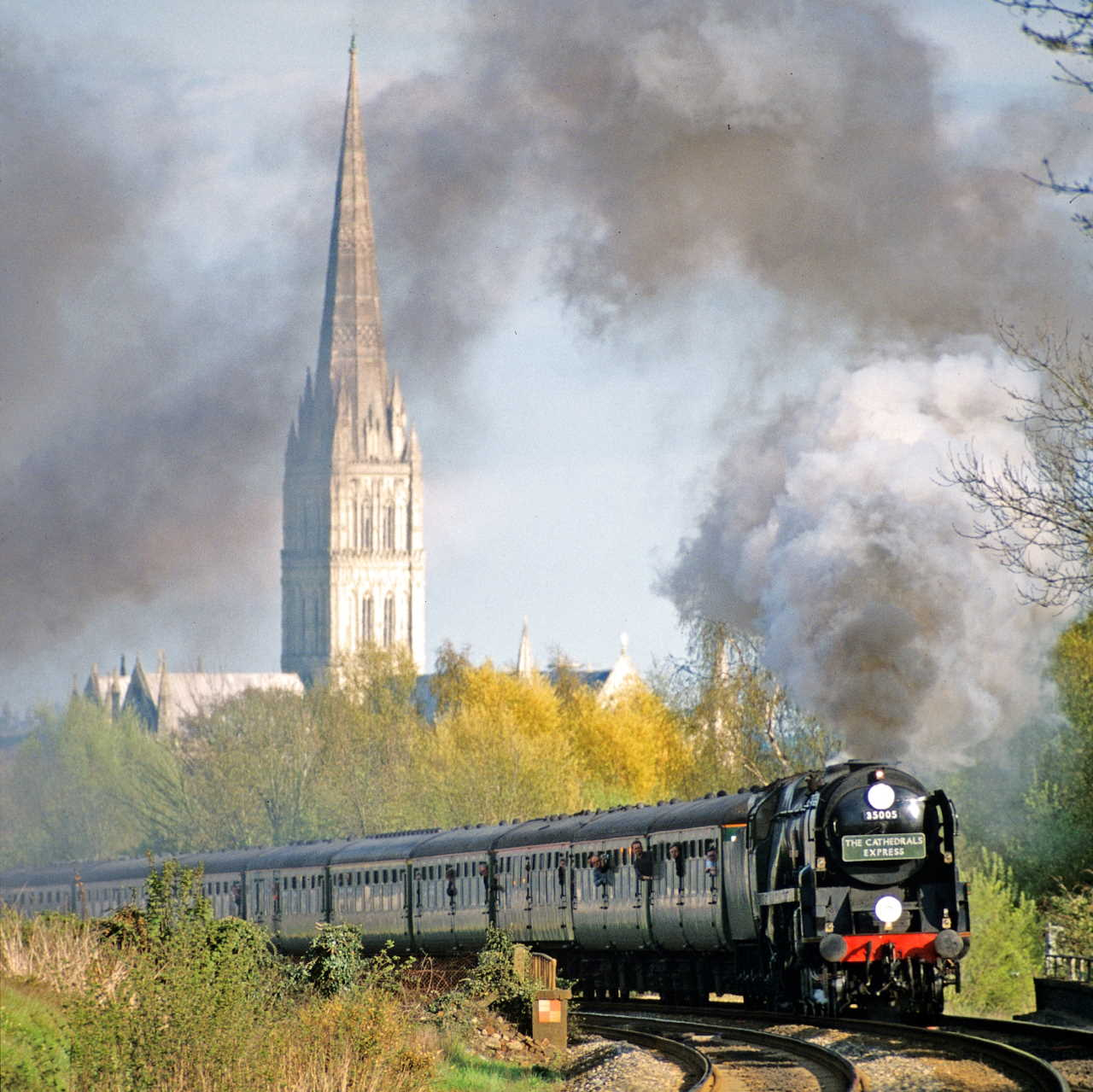 """35005 """"Canadian Pacific"""" leaves Salisbury bound for Yeovil Jn with a Cathedrals Express crew-training run. April 2001"""