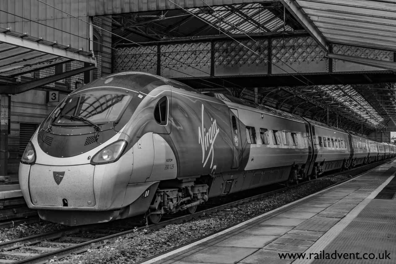 Virgin Pendolino at Preston // Credit: RailAdvent