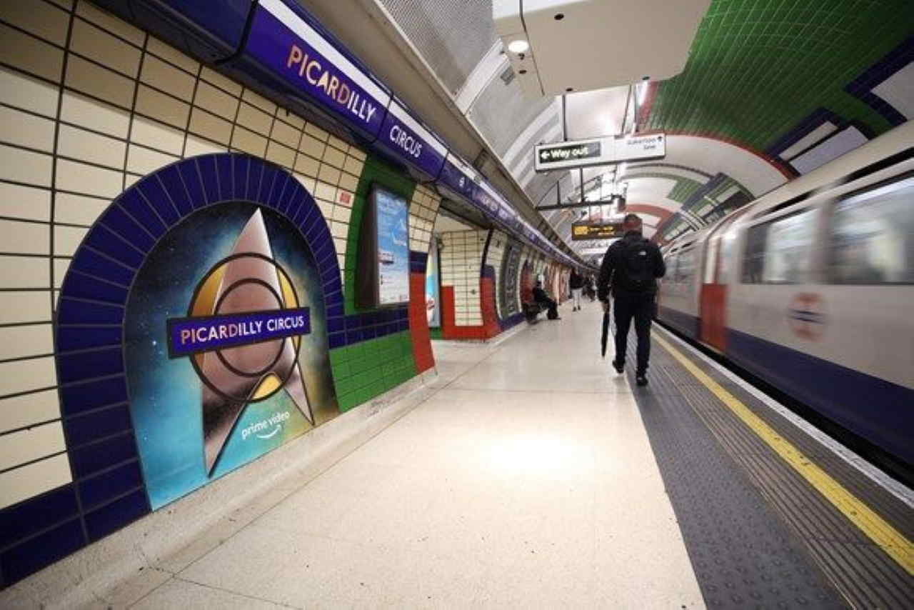 Picadilly Circus re named after new Star Trek film