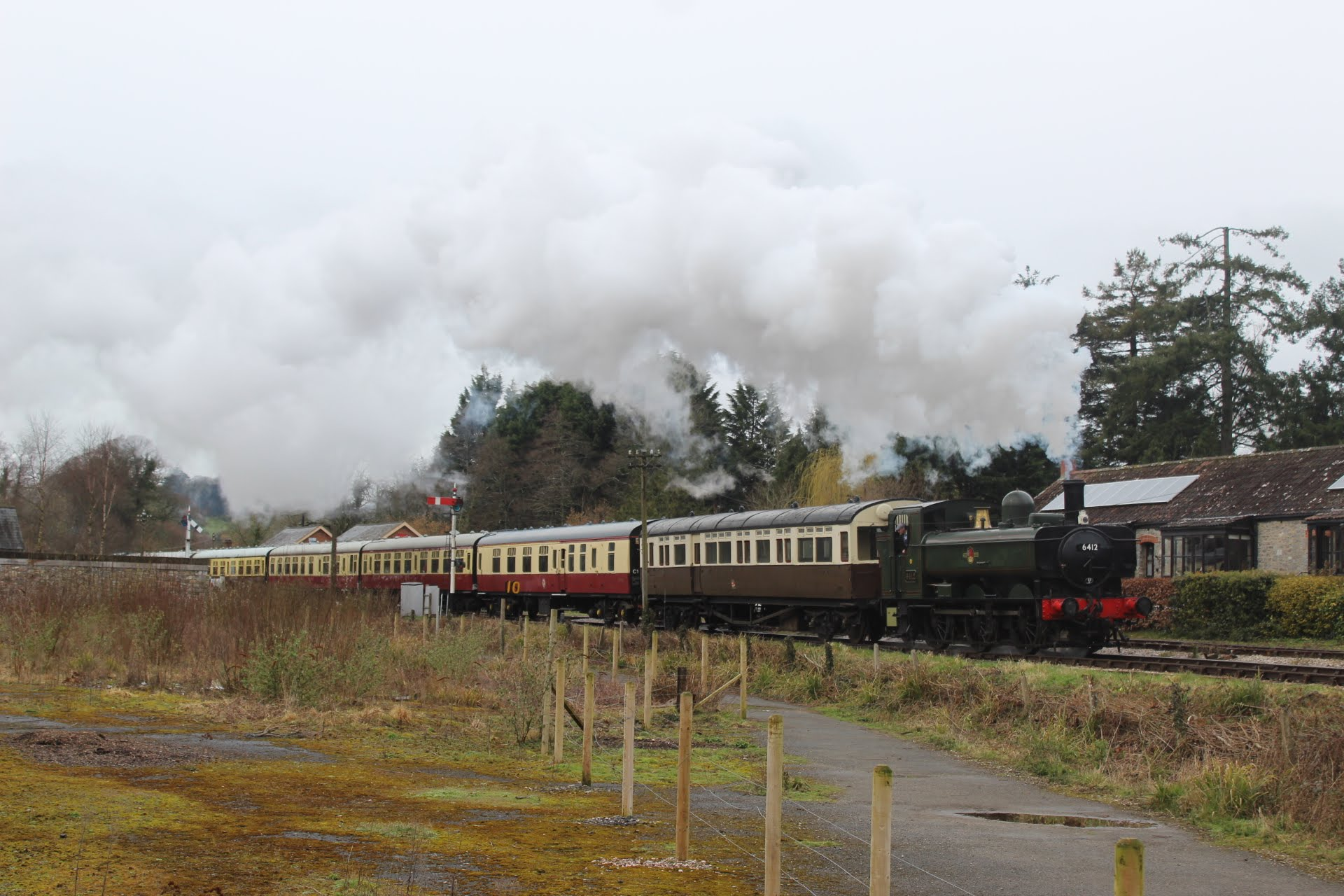 6412 on the South Devon Railway