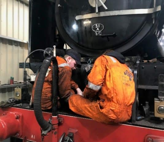 Members of the Team Working on 60163 // Credit A1SLT