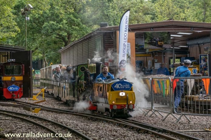 Mad Bess and Robert head out of Woody Bay on the Ruislip Lido Railway