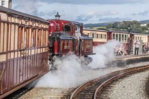 Merddin Emrys departs Porthmadog on the Ffestiniog Railway