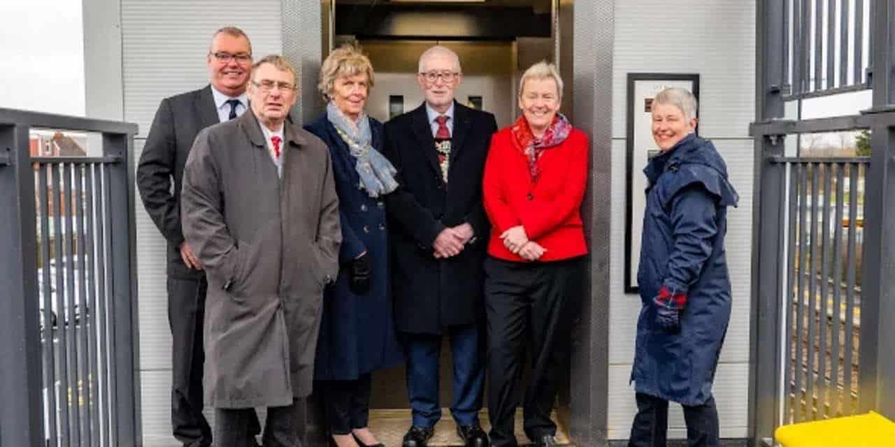 merseyrail lifts opened at meols station