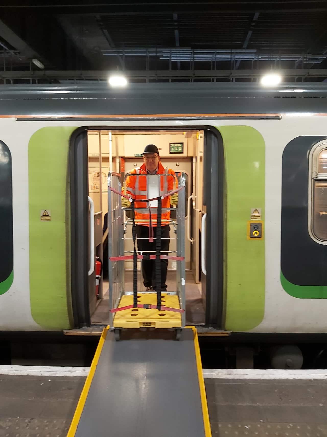 Class 319 Parcel trains unloading at London Euston