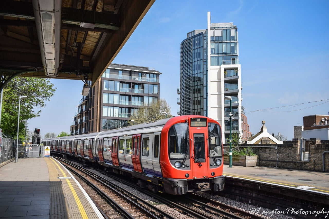 London Underground gets grant to continue trains during coronavirus crisis