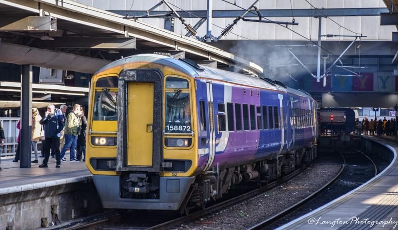 Northern Class 158 at Leeds