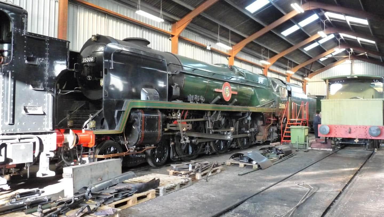 35006 Undergoing Winter Maintenance // Credit 35006 Locomotive Company Ltd