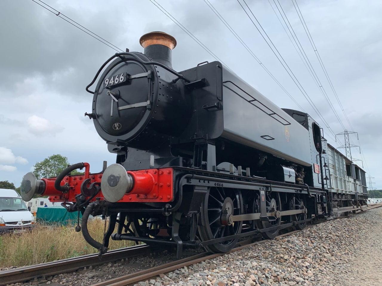 GWR 9466 on brake van rides