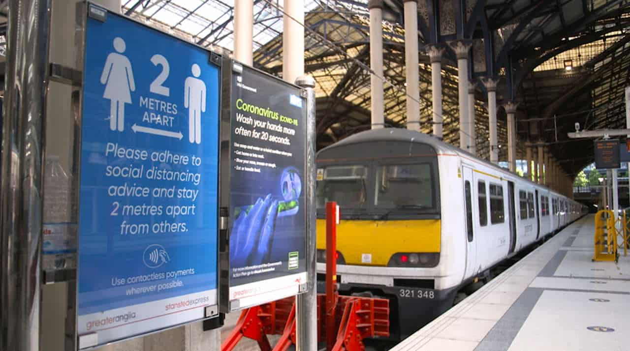 Social Distancing - Liverpool St Station - Platform