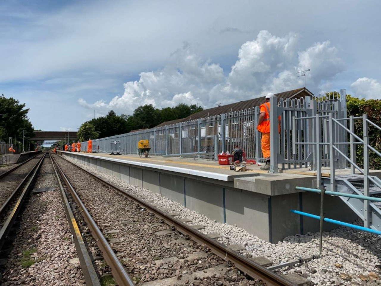 Gatwick Airport platform extensions