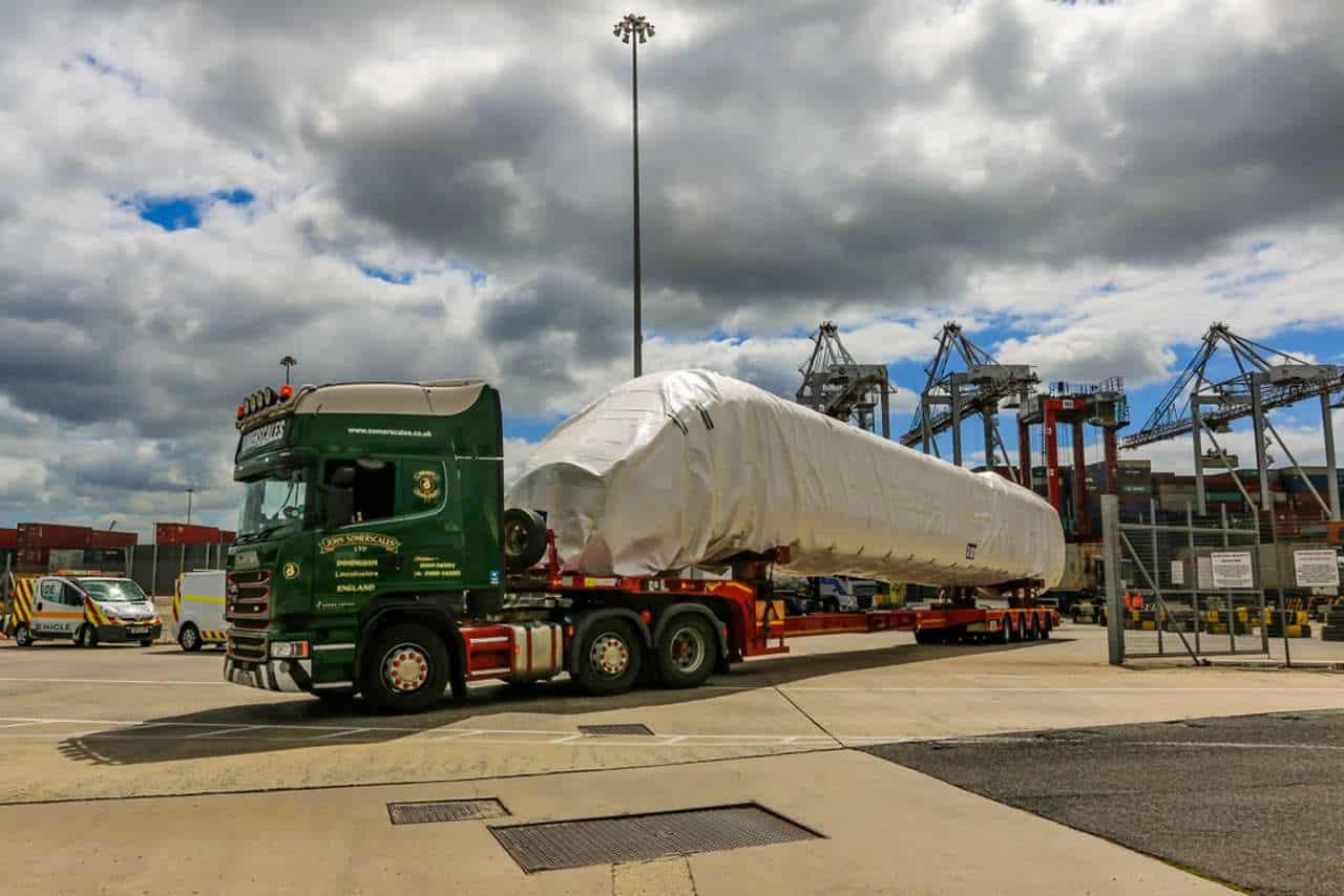 Avanti West Coast Class 805 bodyshells arrive in the UK