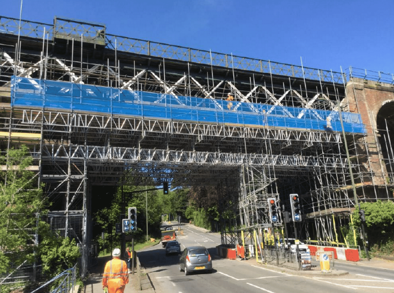Oxted Viaduct scaffold across A25