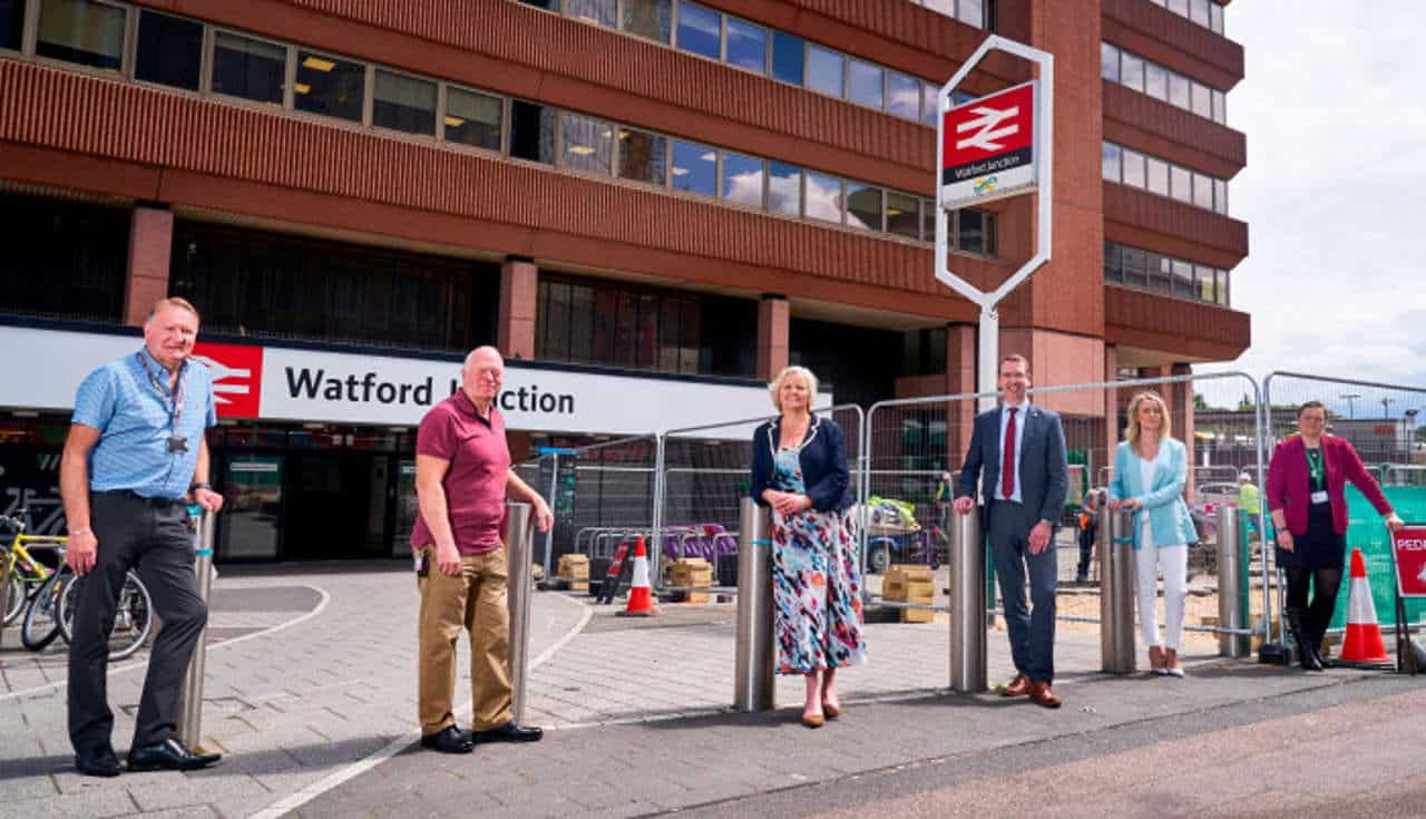 Watford Junction station forecourt