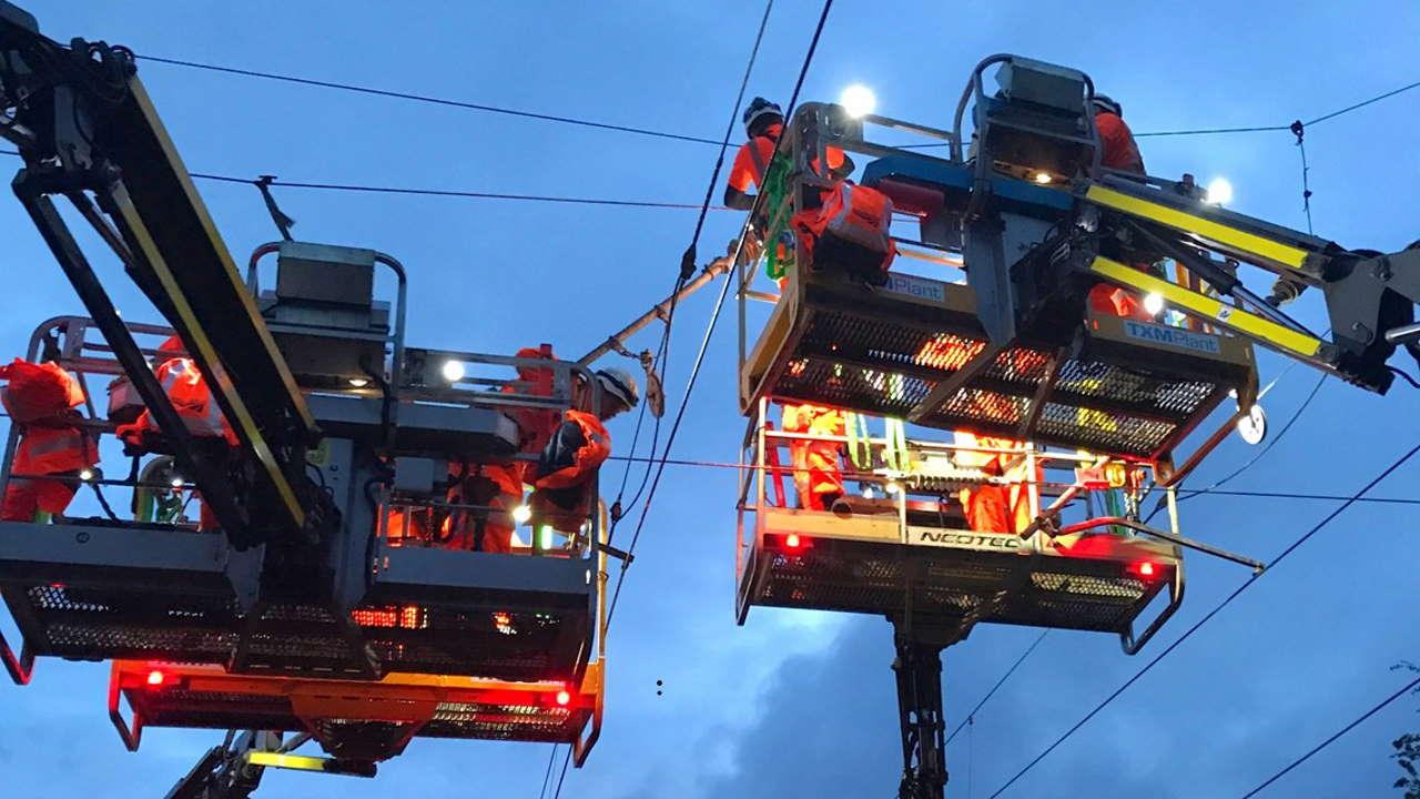25,000 volt overhead electric