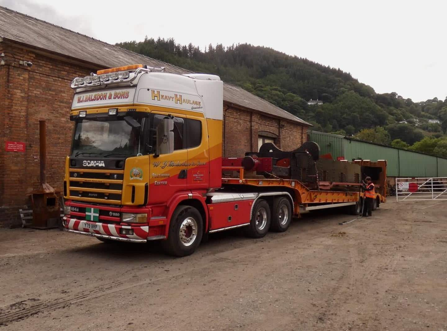 4709's Frame Loaded Up Ready for Journey to Leaky Finders // Credit The 4709 Group