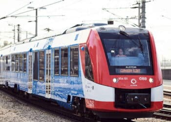 Alstom's hydrogen train enters regular passenger service in Austria
