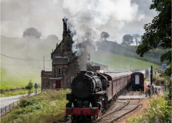 S160 6046 passes through Cheddleton Station with a post-Lockdown service at the Churnet Valley Railway